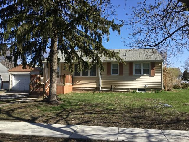 402 W Navaho Street W, Shabbona, IL 60550 (MLS #09932188) :: The Dena Furlow Team - Keller Williams Realty