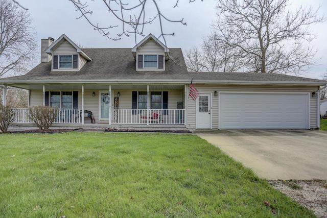 10 School Street, Fisher, IL 61843 (MLS #09933073) :: Ryan Dallas Real Estate