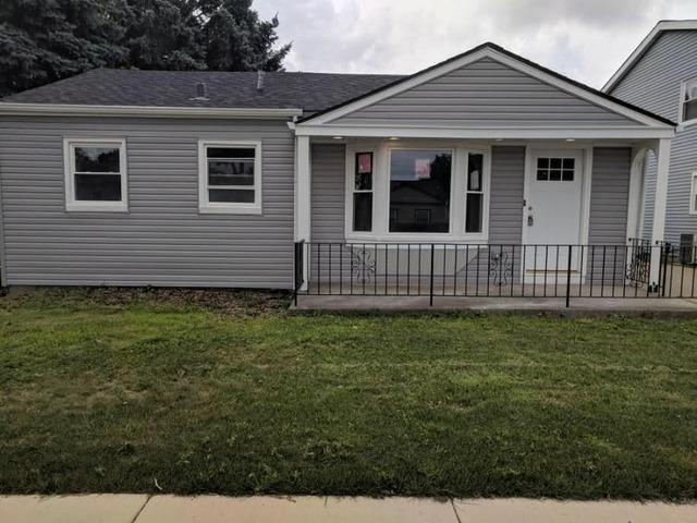 8627 44th Place, Lyons, IL 60534 (MLS #09933693) :: Domain Realty
