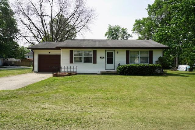 301 Wilson Avenue, VILLA GROVE, IL 61956 (MLS #09933975) :: Ryan Dallas Real Estate