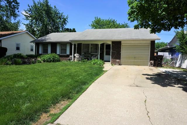 1021 Briarcliff Drive, Rantoul, IL 61866 (MLS #09934006) :: Ryan Dallas Real Estate