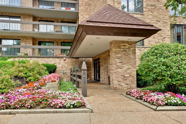 1621 Mission Hills Road #402, Northbrook, IL 60062 (MLS #09935084) :: Domain Realty