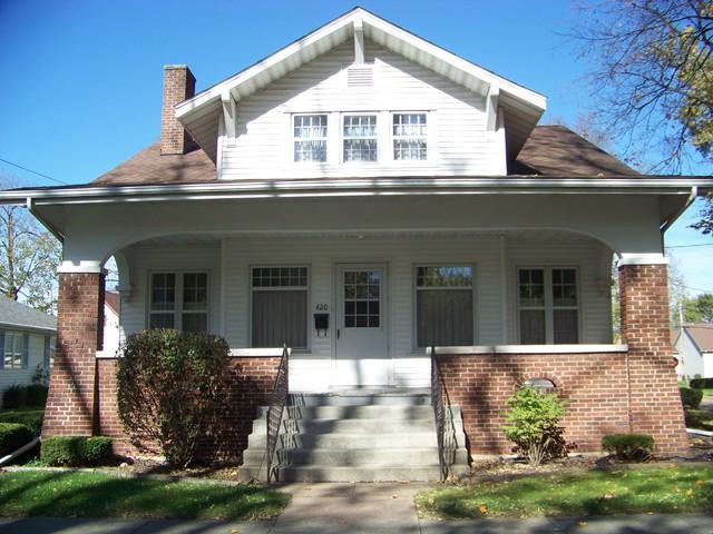 420 E Main Street, MONTICELLO, IL 61856 (MLS #09935679) :: Ryan Dallas Real Estate
