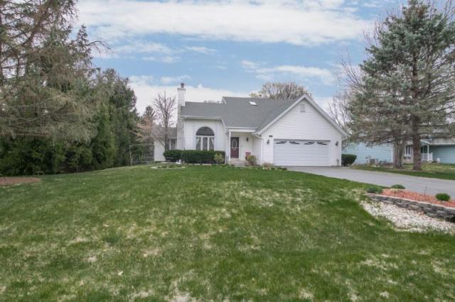 234 Autumnwood Drive, Rockton, IL 61072 (MLS #09936487) :: Ani Real Estate