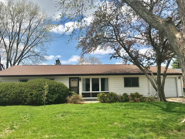 1105 Hollycrest Drive, Champaign, IL 61821 (MLS #09937515) :: Littlefield Group