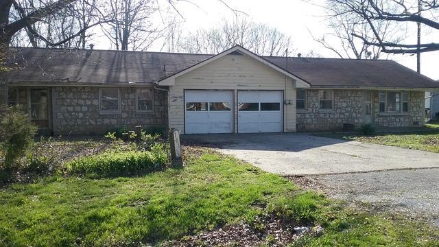 101 Bruce Street, VILLA GROVE, IL 61956 (MLS #09937966) :: Ryan Dallas Real Estate