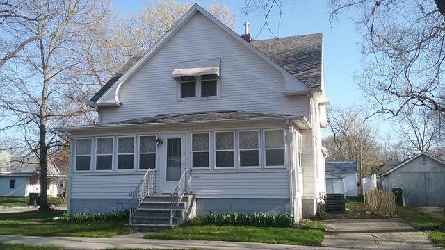 212 W Madison Avenue, VILLA GROVE, IL 61956 (MLS #09938106) :: Ryan Dallas Real Estate