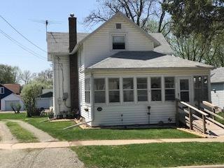 609 W Morris Street, Morrison, IL 61270 (MLS #09940368) :: Ani Real Estate