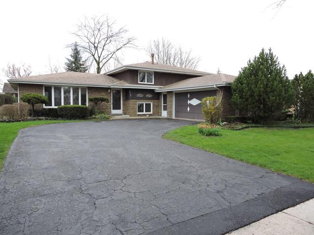 8649 W 145th Place, Orland Park, IL 60462 (MLS #09940471) :: Lewke Partners