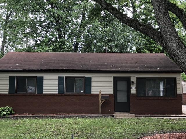 1913 Weaver Street, Urbana, IL 61802 (MLS #09943111) :: Littlefield Group