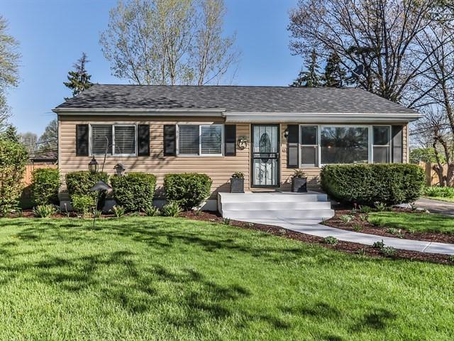 17W484 Nimitz Road, Oakbrook Terrace, IL 60181 (MLS #09944172) :: Ani Real Estate