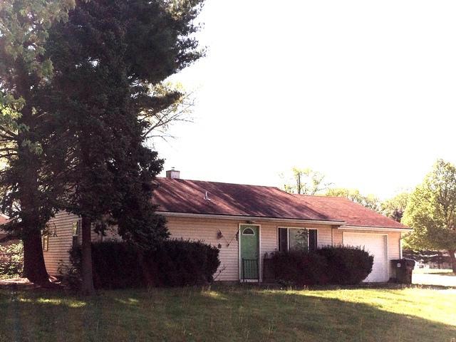 504 Illinois Drive, Rantoul, IL 61866 (MLS #09944527) :: Ryan Dallas Real Estate