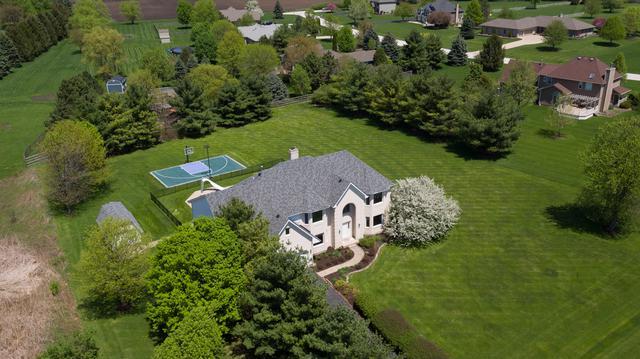 37W766 Heritage Drive, Batavia, IL 60510 (MLS #09948852) :: The Dena Furlow Team - Keller Williams Realty