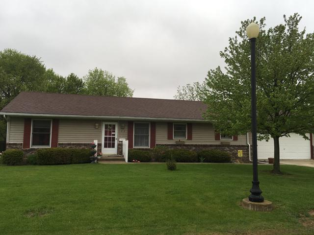 272 Brookside Drive, Paw Paw, IL 61353 (MLS #09949020) :: The Dena Furlow Team - Keller Williams Realty
