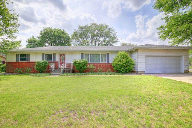 801 S 1st Street, Fisher, IL 61843 (MLS #09951889) :: Littlefield Group