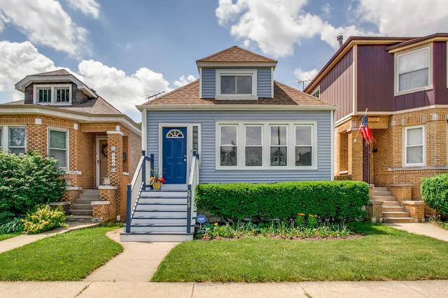 5715 W Grover Street, Chicago, IL 60630 (MLS #09952849) :: The Dena Furlow Team - Keller Williams Realty