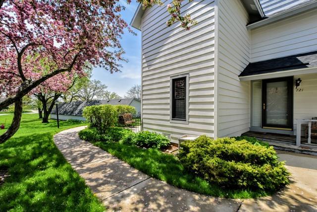 721 Wakefield Road, Gurnee, IL 60031 (MLS #09953594) :: Ani Real Estate