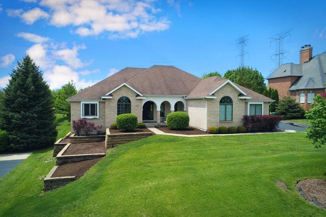 7203 Owl Way, Cary, IL 60013 (MLS #09953994) :: Lewke Partners