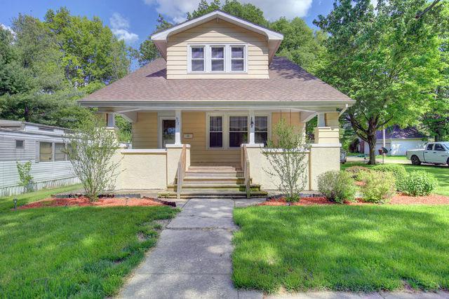 517 S Centennial Street, MONTICELLO, IL 61856 (MLS #09954254) :: Ryan Dallas Real Estate
