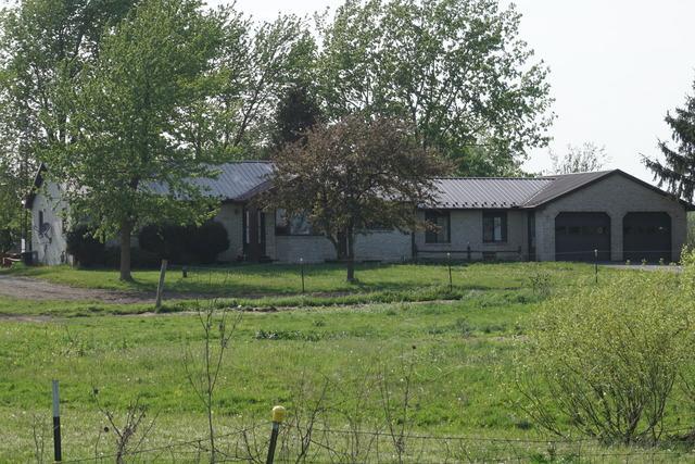 4260 S 6000E Road, St. Anne, IL 60964 (MLS #09955163) :: The Dena Furlow Team - Keller Williams Realty