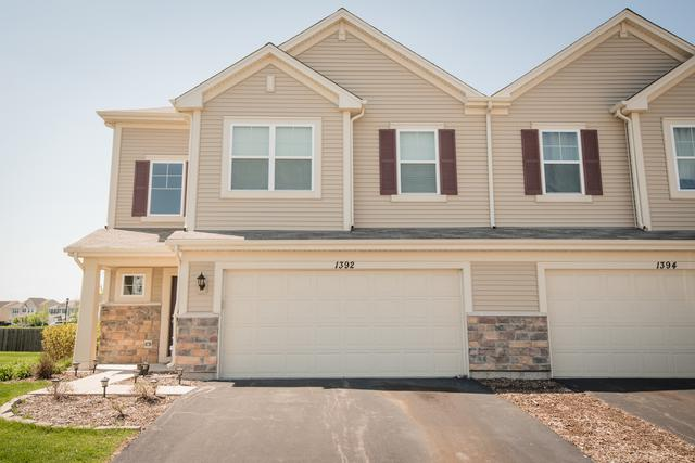 1392 Newport Circle, Pingree Grove, IL 60140 (MLS #09955396) :: Lewke Partners