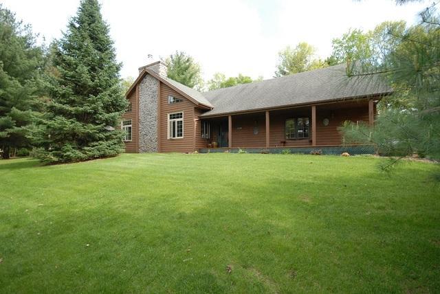 14779 Hansberry Road, Rockton, IL 61072 (MLS #09955433) :: Ani Real Estate