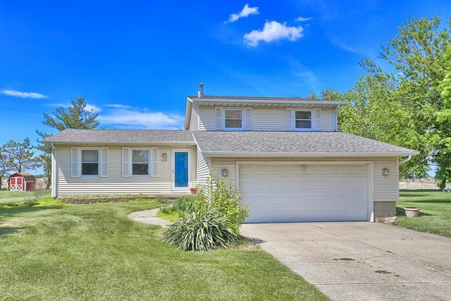 2210 E N Trailside Drive, Mahomet, IL 61853 (MLS #09955824) :: Ryan Dallas Real Estate