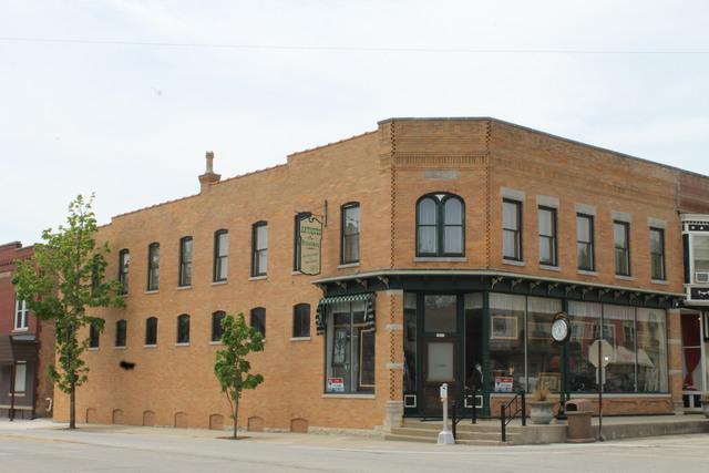 10309 Main Street, Richmond, IL 60071 (MLS #09955897) :: The Dena Furlow Team - Keller Williams Realty