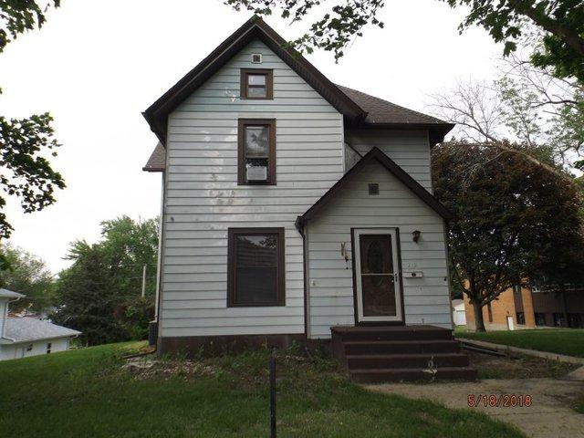 212 W 2nd Street, Prophetstown, IL 61277 (MLS #09956774) :: The Dena Furlow Team - Keller Williams Realty