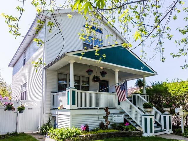 5714 N Kedvale Avenue, Chicago, IL 60646 (MLS #09956890) :: Ryan Dallas Real Estate