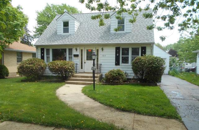 125 S Commonwealth Avenue, Elgin, IL 60123 (MLS #09957112) :: Helen Oliveri Real Estate