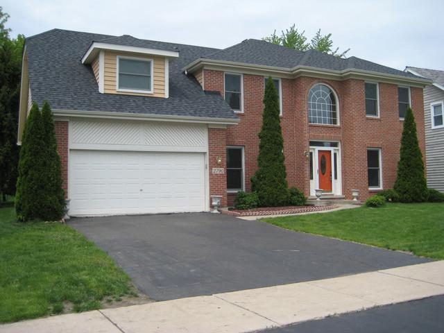 2790 Asbury Drive, Aurora, IL 60504 (MLS #09957136) :: Helen Oliveri Real Estate