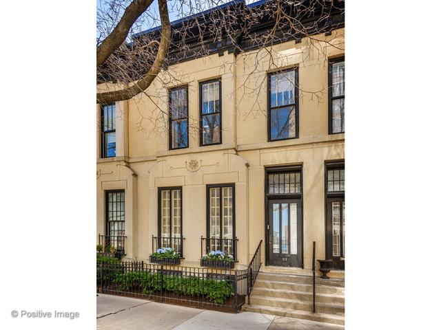 57 W Burton Place, Chicago, IL 60610 (MLS #09957159) :: Property Consultants Realty