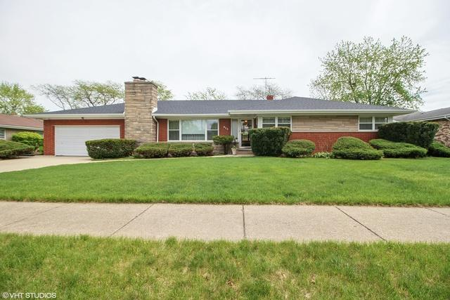 823 Macarthur Drive, Chicago Heights, IL 60411 (MLS #09959512) :: Lewke Partners