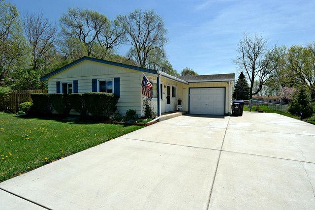 4811 Three Oaks Road, Crystal Lake, IL 60014 (MLS #09959715) :: The Jacobs Group