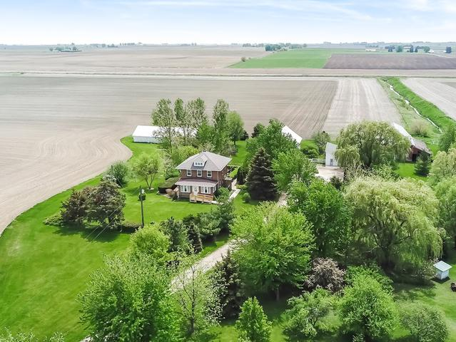 918 N 40th Road, Mendota, IL 61342 (MLS #09959824) :: Ani Real Estate