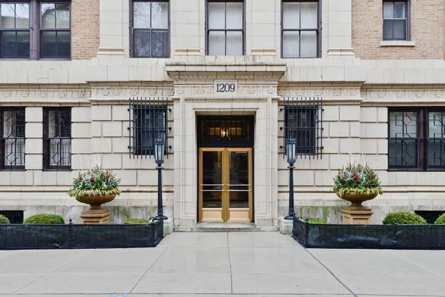 1209 N Astor Street 15S, Chicago, IL 60610 (MLS #09960621) :: Property Consultants Realty