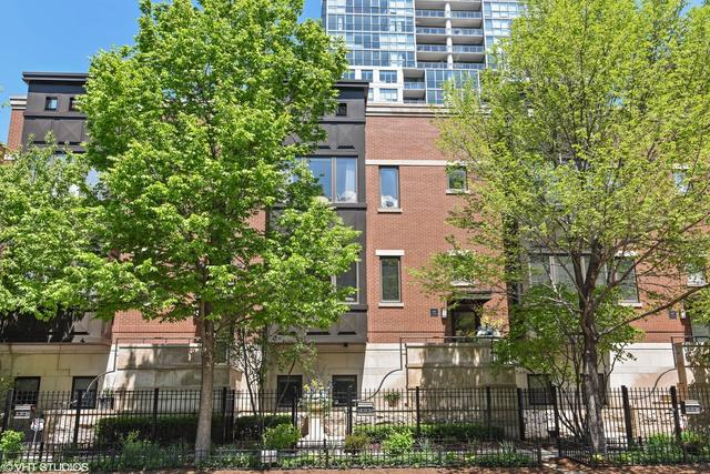 448 W Superior Street, Chicago, IL 60654 (MLS #09960937) :: Domain Realty