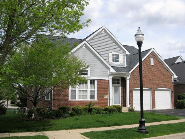 1875 Olympic Drive, Vernon Hills, IL 60061 (MLS #09961294) :: The Schwabe Group