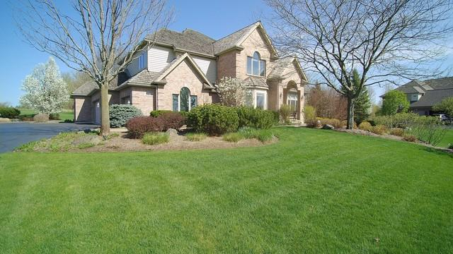 114 Governors Way, Hawthorn Woods, IL 60047 (MLS #09961430) :: The Schwabe Group