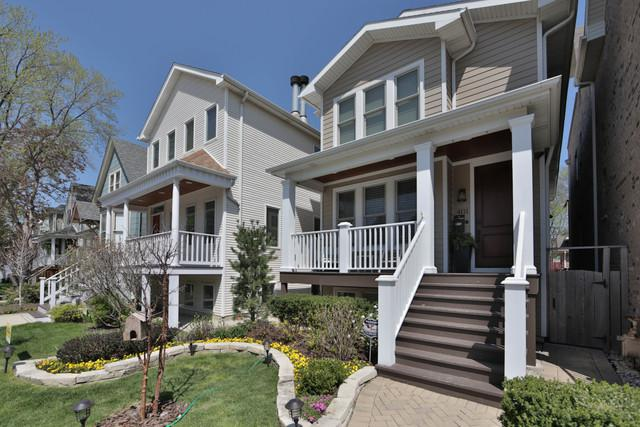 4111 N Claremont Avenue, Chicago, IL 60618 (MLS #09961493) :: Touchstone Group