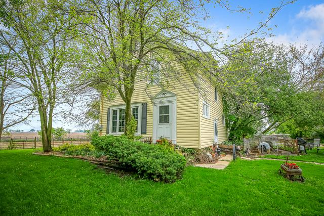 8214 E Tryon Grove Road, Richmond, IL 60071 (MLS #09962112) :: Ani Real Estate