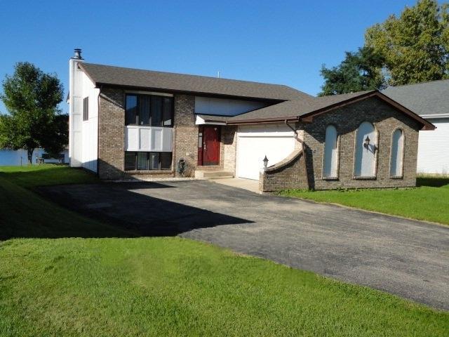 1010 Candlewick Drive NE, Poplar Grove, IL 61065 (MLS #09962134) :: Key Realty