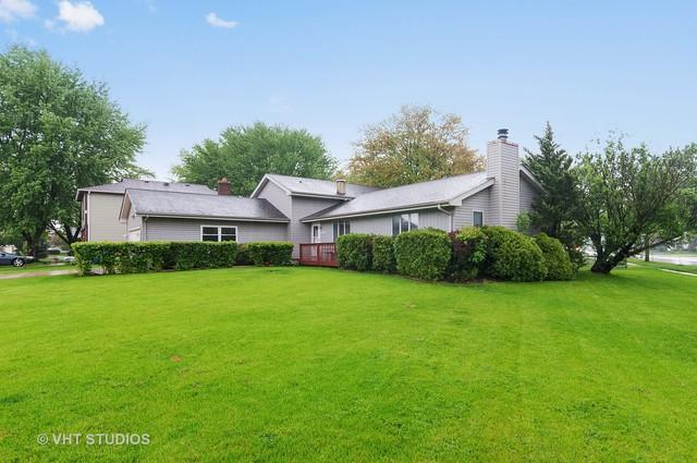 1199 Independence Drive, Bartlett, IL 60103 (MLS #09962291) :: The Schwabe Group