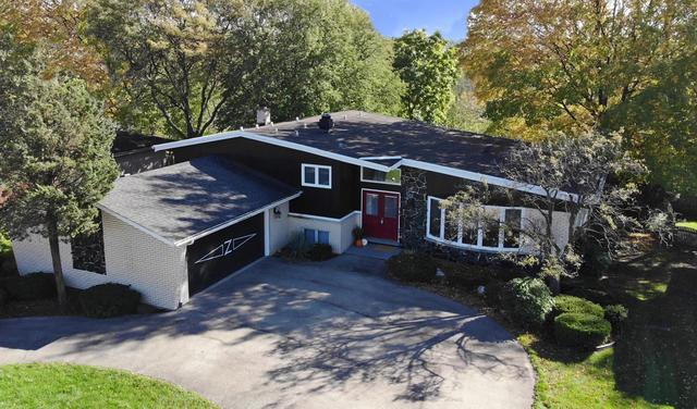 11341 Scenic Drive, Willow Springs, IL 60480 (MLS #09962465) :: The Dena Furlow Team - Keller Williams Realty