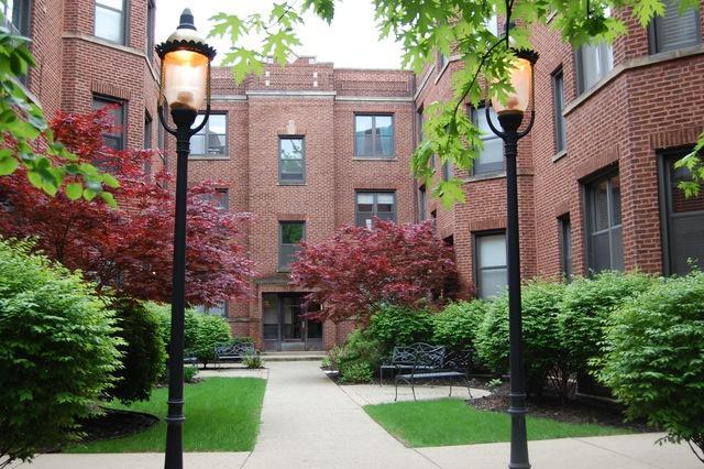 905 W Cornelia Avenue 3W, Chicago, IL 60657 (MLS #09962663) :: The Saladino Sells Team