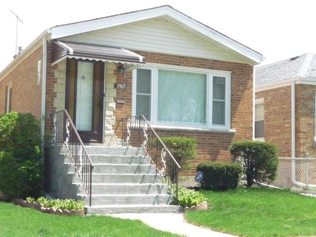 3905 N Sayre Avenue, Chicago, IL 60634 (MLS #09962841) :: The Saladino Sells Team