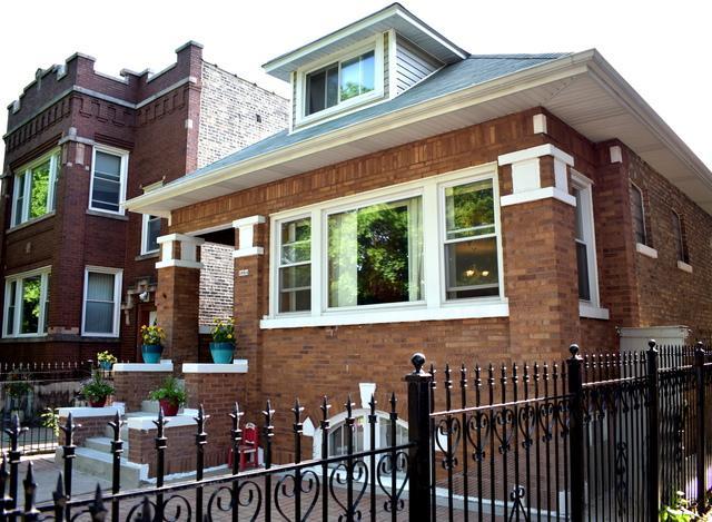 3024 N Kilpatrick Avenue, Chicago, IL 60641 (MLS #09962880) :: The Saladino Sells Team