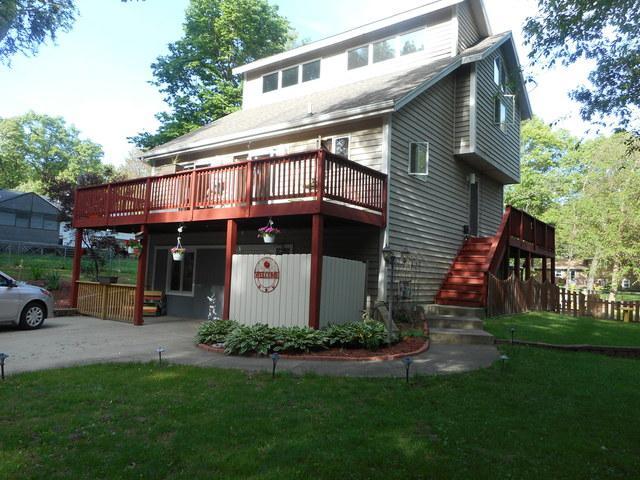 1557 Acorn Lane, St. Anne, IL 60964 (MLS #09962943) :: The Dena Furlow Team - Keller Williams Realty
