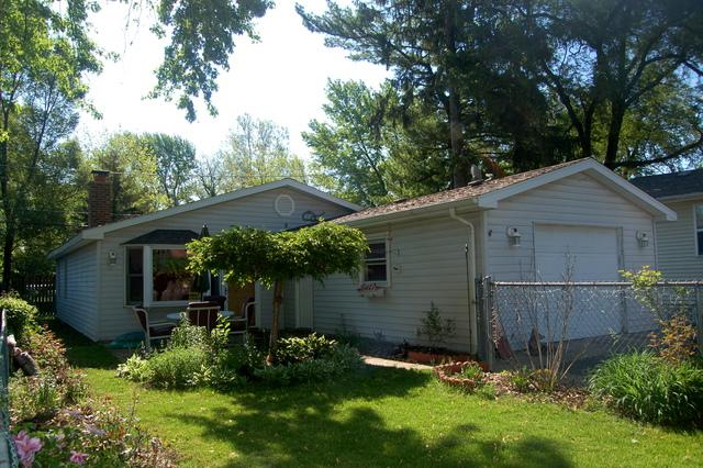 122 Schorie Avenue, Joliet, IL 60433 (MLS #09962969) :: Angie Faron with RE/MAX Ultimate Professionals